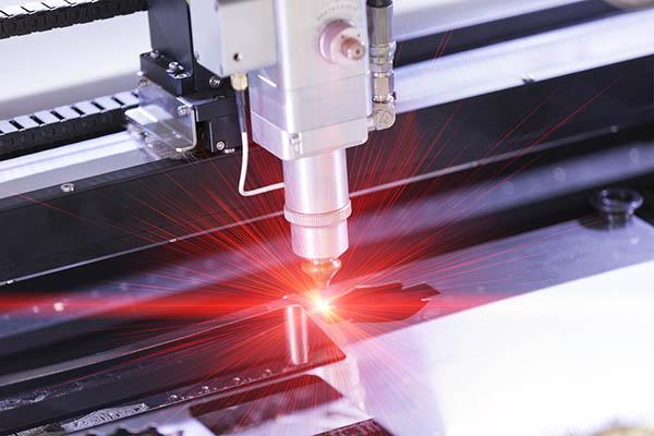 Corte laser de metal